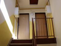 Vstup do bytu 3.NP - Prodej bytu 3+kk v osobním vlastnictví 85 m², Praha 6 - Břevnov