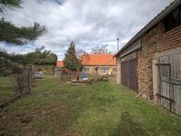 Pohled na dům od garáže - Prodej domu v osobním vlastnictví 125 m², Křečhoř