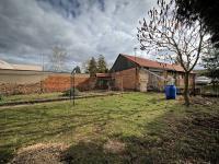 Pohled na garáž - Prodej domu v osobním vlastnictví 125 m², Křečhoř