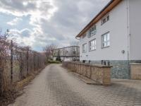 Pronájem komerčního prostoru (kanceláře) v osobním vlastnictví, 100 m2, Vestec