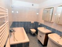 koupelna, 5 m2 - Prodej domu v osobním vlastnictví 125 m², Dobročovice