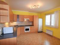 kuchyně, 17 m2 - Prodej domu v osobním vlastnictví 125 m², Dobročovice