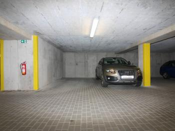 Garážové místo  - Pronájem garážového stání 14 m², Kolín