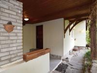 vstup do domu - Prodej domu v osobním vlastnictví 105 m², Louňovice