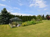 zadní část zahrady, možnost výstavby druhého rodinného domu - Prodej domu v osobním vlastnictví 105 m², Louňovice