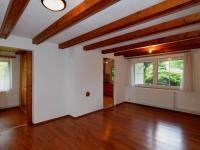 jídelna se vstupem do kuchyně - Prodej domu v osobním vlastnictví 105 m², Louňovice