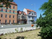 celkový pohled na dům z ulice - Prodej domu v osobním vlastnictví 220 m², Kolín