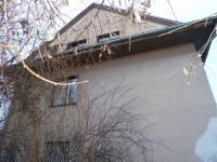 boční pohled na dům - Prodej domu v osobním vlastnictví 250 m², Velim