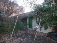kůlny na pozemku - Prodej domu v osobním vlastnictví 250 m², Velim