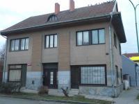 celkový pohled na dům - Prodej domu v osobním vlastnictví 250 m², Velim