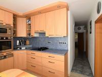 ložnice u kuchyně - Prodej bytu 4+1 v osobním vlastnictví 83 m², Praha 4 - Kamýk