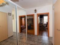 pohled od vstupních dveří - Prodej bytu 4+1 v osobním vlastnictví 83 m², Praha 4 - Kamýk