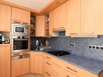 kuchyňská linka - Prodej bytu 4+1 v osobním vlastnictví 83 m², Praha 4 - Kamýk