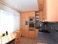 kuchyně, 9,1 m2 - Prodej bytu 4+1 v osobním vlastnictví 83 m², Praha 4 - Kamýk