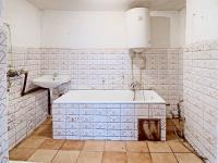 Koupelna s vanou - Prodej domu v osobním vlastnictví 73 m², Žiželice