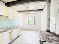 Kuchyně s kamny - Prodej domu v osobním vlastnictví 73 m², Žiželice