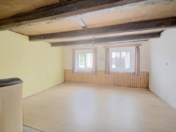 Obývací pokoj - Prodej domu v osobním vlastnictví 73 m², Žiželice