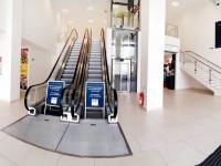 vnitřní prostory v obchodním domě - Pronájem komerčního objektu 1500 m², Kolín