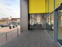 obchodní dům - vstup - Pronájem komerčního objektu 1500 m², Kolín