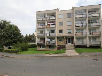 čelní pohled na dům - Prodej bytu 3+kk v osobním vlastnictví 73 m², Čáslav