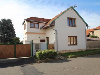 Prodej domu v osobním vlastnictví 220 m², Kolín