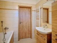 Koupelna - Prodej domu v osobním vlastnictví 115 m², Cerhenice
