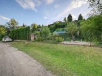 pohled z příjezdové cesty - Prodej pozemku 500 m², Kolín