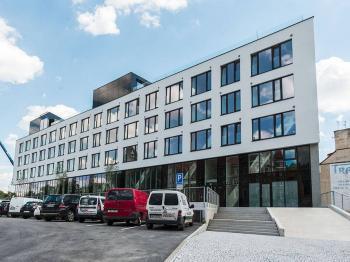 pohled na rezidenční komplex z ulice - Sacre Coeur 2