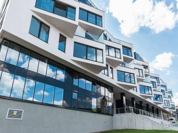 pohled na rezidenční komplex z parku - Sacre Coeur 2