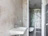 koupelna (Prodej bytu 3+kk v osobním vlastnictví 129 m², Praha 5 - Smíchov)