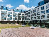 vnitroblok komplexu (Prodej bytu 3+kk v osobním vlastnictví 129 m², Praha 5 - Smíchov)
