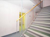 schodiště - Prodej kancelářských prostor 27 m², Milovice