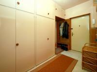 vchod - chodba - Prodej bytu 3+1 v osobním vlastnictví 72 m², Praha 10 - Záběhlice