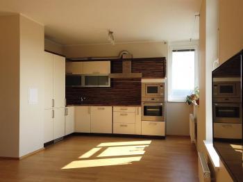 Prodej bytu 3+1 v osobním vlastnictví 118 m², Praha 4 - Lhotka