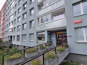 Prodej bytu 2+kk v osobním vlastnictví 45 m², Praha 4 - Újezd u Průhonic
