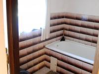 Koupelna s WC (Prodej chaty / chalupy 134 m², Staré Hamry)
