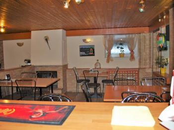 Pohled z baru - Pronájem restaurace 202 m², Zubří