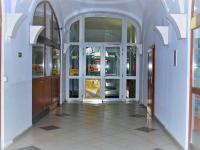 Vstupní chodba do domu - Prodej komerčního objektu 1228 m², Opava