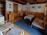 Obývací pokoj (Prodej chaty / chalupy 150 m², Planá nad Lužnicí)