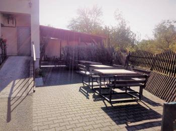 zahrádka k restauraci - Prodej komerčního objektu 1114 m², Zubří