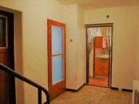 chodba - Prodej domu v osobním vlastnictví 585 m², Lešná