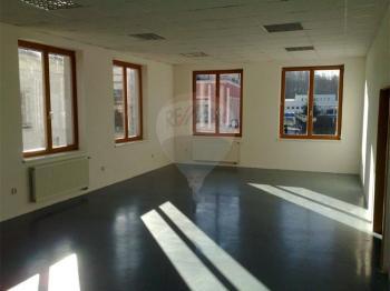Pronájem obchodních prostor 100 m², Rožnov pod Radhoštěm