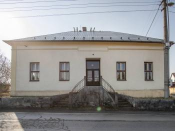 Prodej komerčního objektu 165 m², Lešná