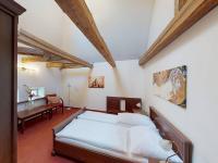 Prodej hotelu 2500 m², Vsetín