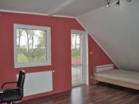 Pokoj v 2.NP s větší terasou (Prodej domu v osobním vlastnictví 215 m², Čakovičky)