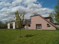 Jižní pohled (Prodej domu v osobním vlastnictví 215 m², Čakovičky)