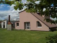 Jihovýchodní pohled (Prodej domu v osobním vlastnictví 215 m², Čakovičky)