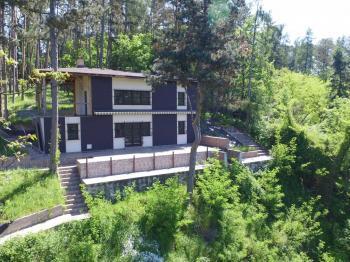 čelní pohled - Prodej chaty / chalupy 200 m², Hradištko