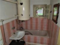 koupelna (Prodej domu v osobním vlastnictví 103 m², Hrubý Jeseník)