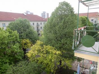 Pohled na balkon - Prodej bytu 2+1 v družstevním vlastnictví 59 m², Most